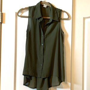 NEW Dark Green Sleeveless Button Down Women's Top